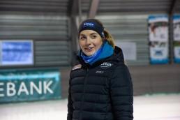 Ida Njåtun smiler mot noe bak kamera